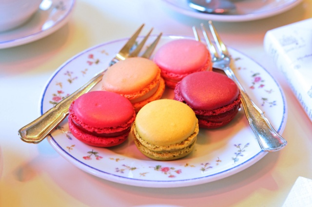 Macarons, Carette, Place des Vosges. Photo: Vincent Bourdon